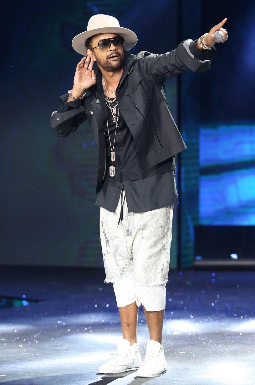 Jako artysta przeszedłem ewolucję - mówi Shaggy. Nowa płyta Jamajczyka, choć wciąż utrzymana w chwytliwych rytmach reggae i popu, jest znacznie głębsza i bardziej emocjonalna niż poprzednie albumy wokalisty. Zawarte na niej piosenki mówią o poszukiwaniu prawdziwych wartości i stanowią opowieść o kolejnych etapach życia artysty.