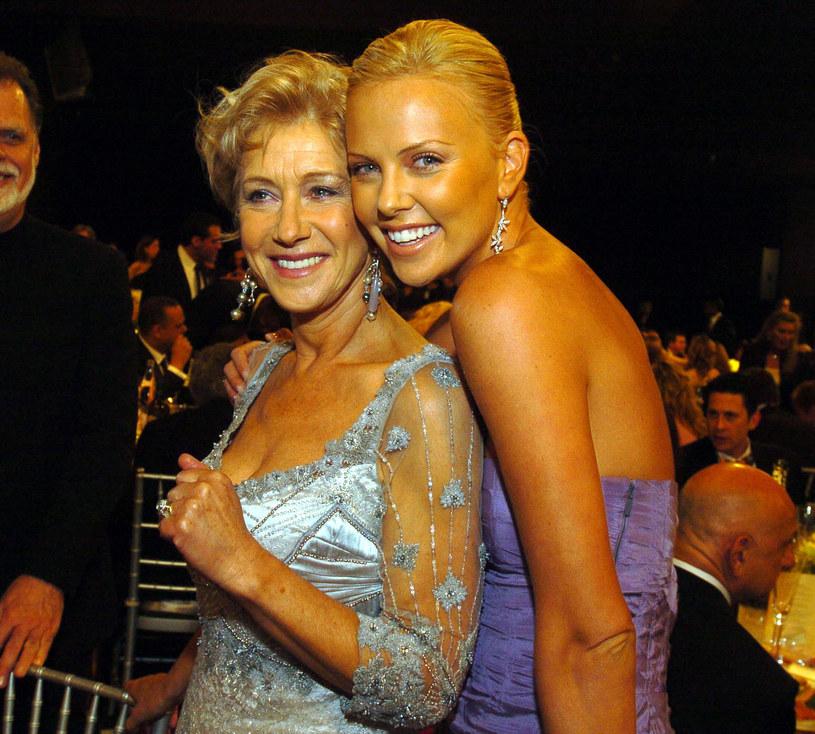 """Charlize Theron, która wcieliła się w antagonistkę w ósmej części """"Szybkich i wściekłych"""", oraz Helen Mirren, która debiutowała w tym filmie jako matka Deckarda Shawa (Jason Statham), powtórzą swoje role w dziewiątej części cyklu."""