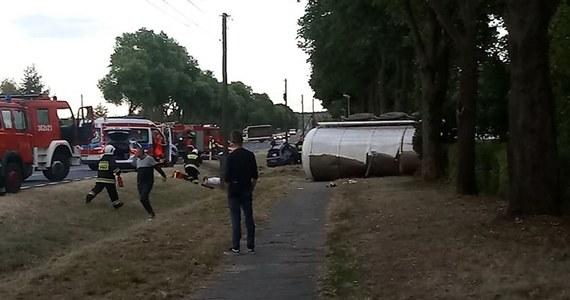 Śmiertelny wypadek na drodze krajowej nr 32 między miejscowościami Pław i Gronów w województwie lubuskim. Samochód osobowy zderzył się tam z cysterną. Nie żyje kierowca i pasażer z samochodu osobowego.
