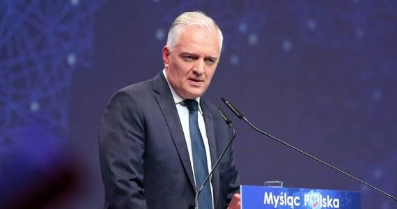 Andrzej Stanisławek zachował się bardzo odpowiedzialnie w poczuciu lojalności wobec rządu i odpowiedzialności wobec rodziców - przeprosił, oddał się do dyspozycji premiera - stwierdził w środę minister nauki i szkolnictwa wyższego, wicepremier Jarosław Gowin.