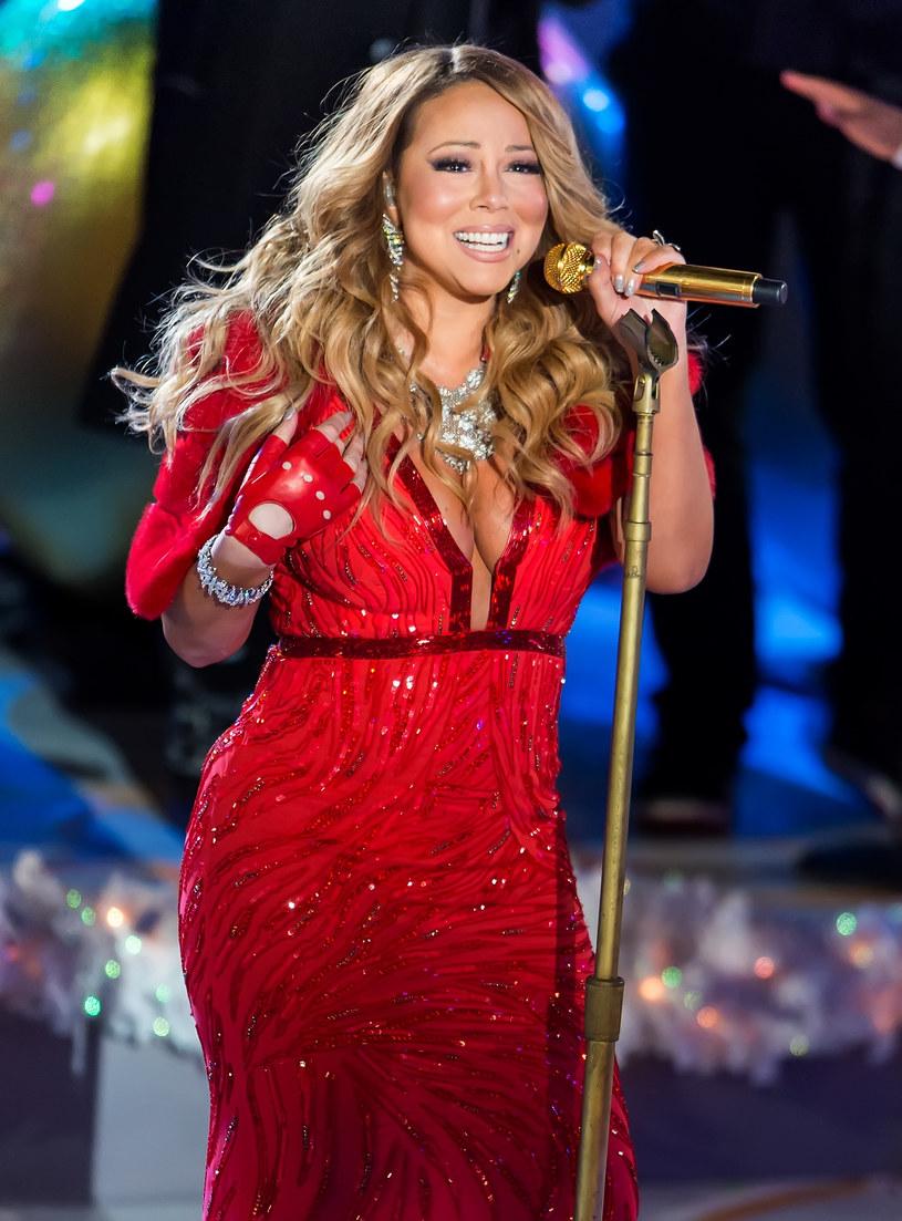 """W najnowszym wywiadzie dla """"Cosmopolitan"""" Mariah Carey opowiedziała o swoim życiu prywatnym, odniosła się do niektórych plotek, jakie na jej temat krążą, jak i wpadek, o których ostatnimi czasy było głośno."""