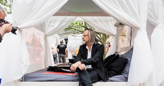 Kino Kulinarne i Kino Łóżkowe to tylko dwie z wielu sekcji festiwalu Transatlantyk, który w piątek 12 lipca zacznie się w Łodzi. W programie filmy nagradzane w Cannes, retrospektywa Wojciecha Marczewskiego, na afiszu jest 200 tytułów, w tym 50 polskich premier.