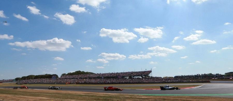 Fin Valtteri Bottas (Mercedes GP) miał najlepszy czas okrążenia na drugim treningu przed wyścigiem o Grand Prix Wielkiej Brytanii na torze Silverstone, 10. rundą mistrzostw świata Formuły 1. Robert Kubica był lepszy tylko od kolegi z Williamsa - George'a Russella.