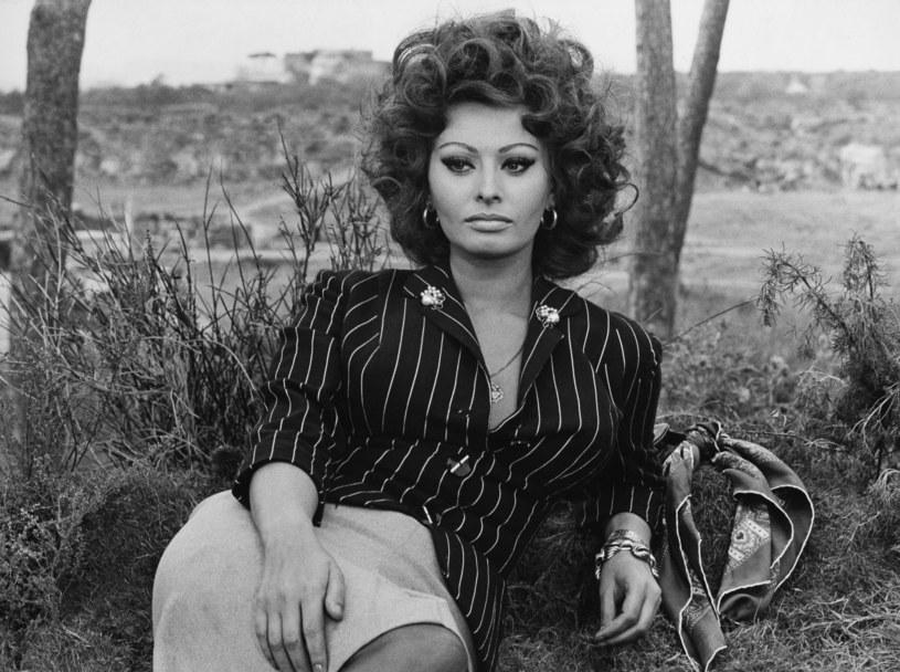 - Nigdy nie myślałam, że osiągnę tak dużo. Wcale nie przez skromność. Tylko kiedy czymś zajmujesz się zpasją, robisz to głównie dla siebie – mówi Sophia Loren. Włoską gwiazdę kina niedługo znowu zobaczymy na dużym ekranie.