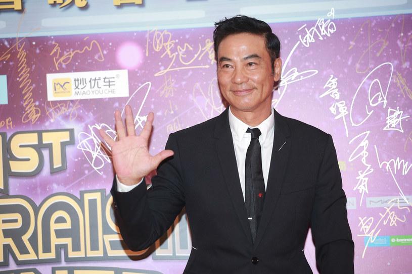 Pochodzący z Hongkongu aktor Simon Yam został w sobotę zaatakowany nożem przez nieznanego napastnika. Do zdarzenia doszło w mieście Zhongshan na południu Chin.