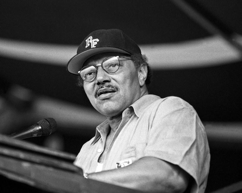 """Jeden z kultowych nowoorleańskich muzyków – Art Neville – zmarł w wieku 81 lat. Artysta był wokalistą i autorem piosenek znanym także jako """"Poppa Funk"""". Założył zespoły - Meters i Neville Brothers."""