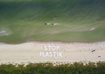 """""""Strefa bez plastiku"""". Nurkowie zeszli na dno Bałtyku, żeby je sprzątać"""