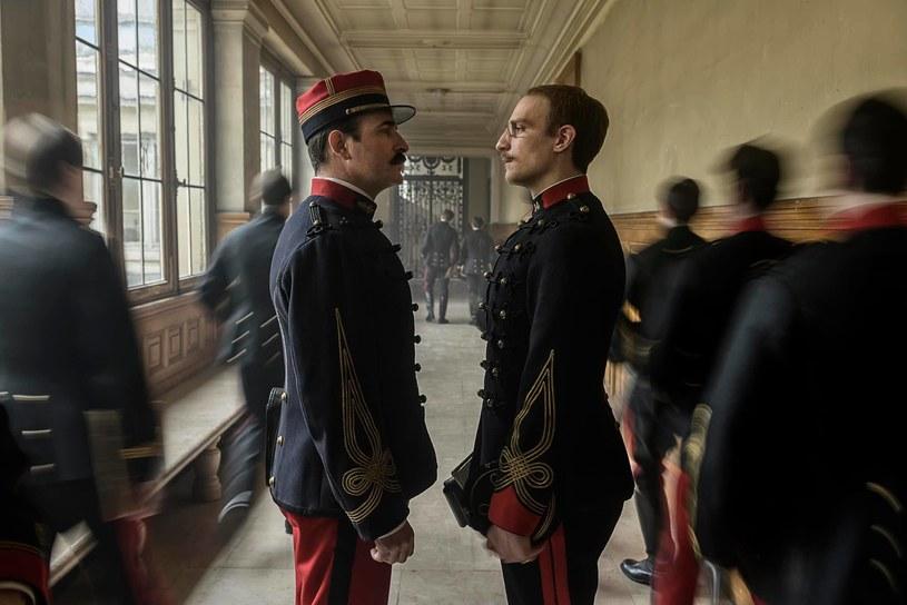 """""""Oficer i szpieg"""", epicki thriller Romana Polańskiego, znalazł się w konkursie głównym Międzynarodowego Festiwalu Filmowego w Wenecji. Produkcja trafi do polskich kin 27 grudnia."""