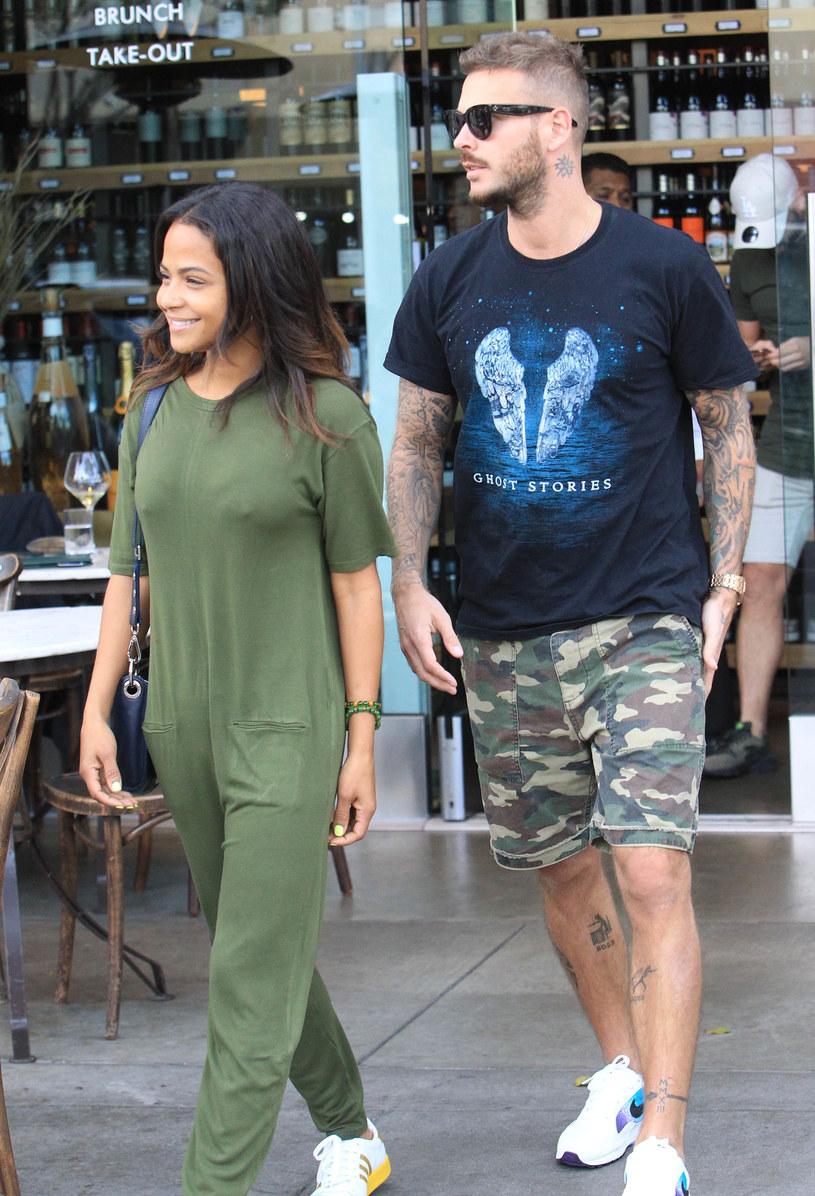 Amerykańska aktorka i piosenkarka Christina Milian oraz francuski wokalista polskiego pochodzenia Matt Pokora na Instagramie poinformowali, że będą rodzicami. Gwiazdy spotykają się od sierpnia 2017 r.