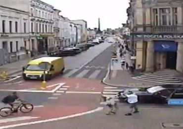 Wysiadł z porsche i uderzył kobietę w twarz. Zarzuty dla agresywnego kierowcy