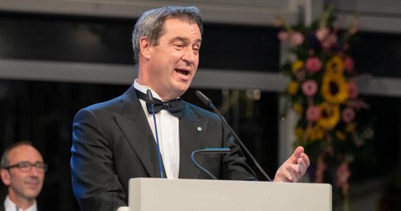 Przewodniczący współrządzącej w Niemczech partii CSU i jednocześnie premier Bawarii Markus Soeder chce, by obowiązek ochrony klimatu został wpisany do konstytucji RFN. Pomysł nie wzbudził entuzjazmu nawet w jego własnym ugrupowaniu.