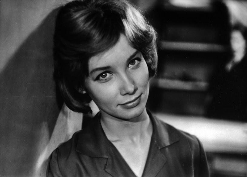 """""""Niby wszyscy ją znali, wiadomo: Marusia, 'Szatan z siódmej klasy'. Ale miała jakąś tajemnicę. Całe moje pokolenie się w niej kochało"""" - mówi o aktorce Zbigniew Hołdys. Dlaczego Pola Raksa zniknęła z ekranów 25 lat temu?"""