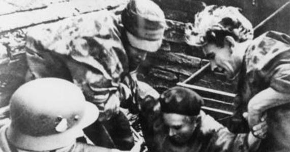 """75 lat temu, 1 sierpnia 1944 roku, na mocy decyzji dowódcy AK gen. Tadeusza Komorowskiego """"Bora"""" w Warszawie wybuchło powstanie. Przez 63 dni powstańcy prowadzili z wojskami niemieckimi heroiczną i osamotnioną walkę, której celem była niepodległa Polska, wolna od niemieckiej okupacji i dominacji sowieckiej."""