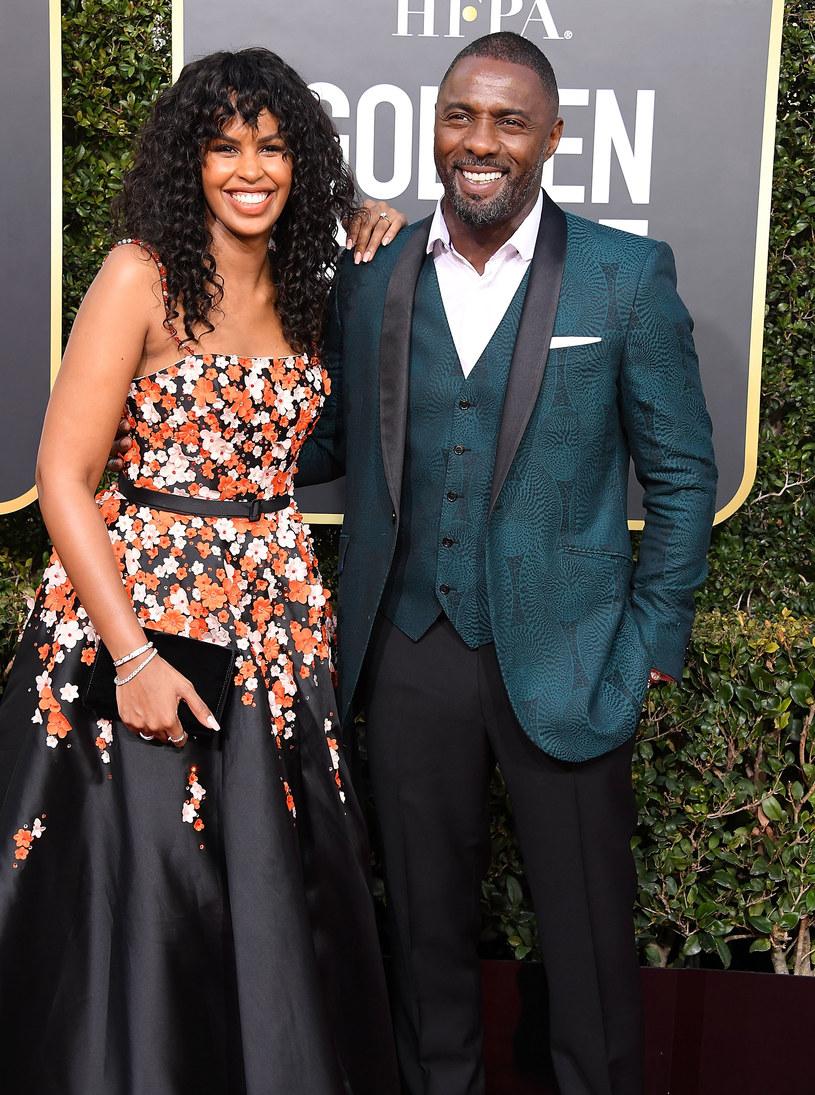 """""""Już dawno nie byłem tak szczęśliwy jak teraz"""" - przyznaje Idris Elba, trzy miesiące po wzięciu ślubu z Sabriną Dhowre. Brytyjski aktor zarzekał się wcześniej, że już nigdy więcej się nie ożeni, ale kanadyjska modelka zmieniła jego podejście do tej kwestii."""