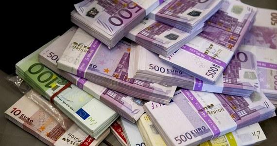Hiszpańscy śledczy rozwiązali zagadkę braku właściciela zwycięskiego kuponu na loterii w La Corunie na północnym zachodzie kraju. W 2012 roku anonimowemu graczowi przysługiwał odbiór 4,72 mln euro.