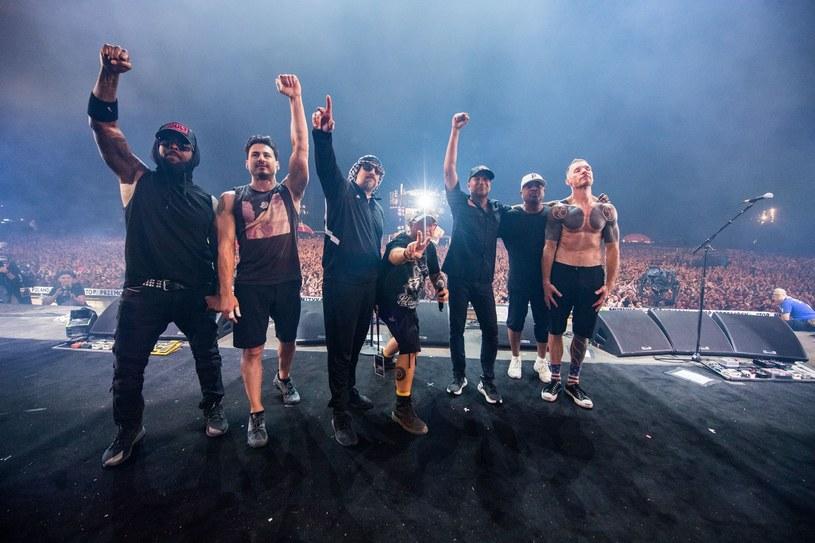 Jeśli przyszłoby komuś wskazać główną gwiazdę Pol'and'Rock Festival 2019, najwięcej osób najpewniej wskazałoby na Prophets of Rage. Supergrupa złożona z byłych członków Rage Against the Machine i Audioslave wspomaganych przez raperów z Public Enemy i Cypress Hill robi sporo szumu, gdziekolwiek się nie pojawi. W Kostrzynie nad Odrą nie był to szum, a potężna fala energii.