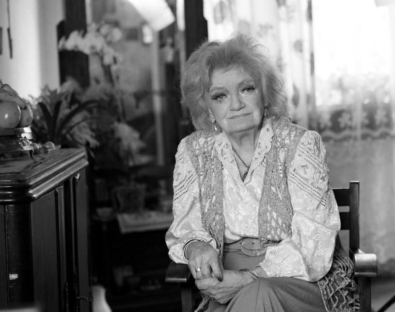 """Aktorka Ludmiła Łączyńska, która od 1957 r. nieprzerwanie wcielała się w rolę Jadwigi Matysiakowej w powieści radiowej """"Matysiakowie"""", zmarła w sobotę, 3 sierpnia. Miała 96 lat."""