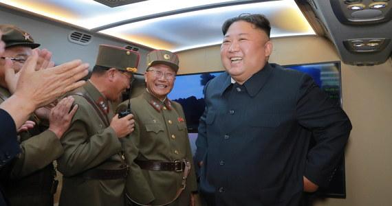 Przywódca Korei Północnej Kim Dzong Un wypowiedział się nt. testów rakietowych przeprowadzanych w ostatnich dniach przez jego reżim. Ogłosił - jak podała oficjalna agencja prasowa KCNA - że próby są ostrzeżeniem dla armii USA i Korei Południowej.