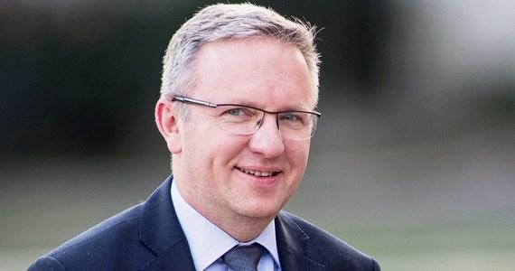 Kandydat na polskiego komisarza Krzysztof Szczerski spotkał się z Ursulą von der Leyen - ustaliła dziennikarka RMF FM w Brukseli. Rozmowa dotyczyła pracy Szczerskiego w przyszłej Komisji Europejskiej. Jak donosi Katarzyna Szymańska-Borginon, spotkanie trwało ponad 30 minut.