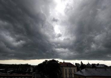 Gwałtowne burze na południu Polski. Zerwane dachy w Małopolsce