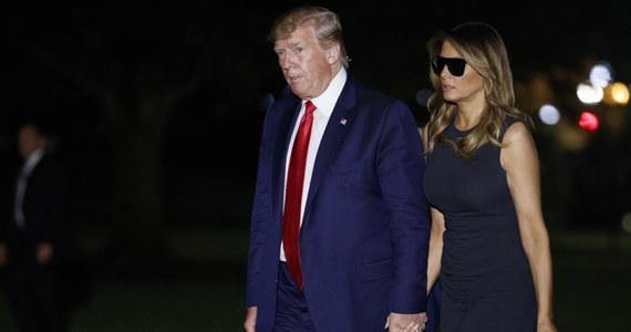 """Prezydent USA Donald Trump powiedział, że nikt nie jest upoważniony do rozmów z Iranem w imieniu Stanów Zjednoczonych. Oskarżył też francuskiego prezydenta Emmanuela Macrona o wysyłanie Teheranowi """"mylących sygnałów"""" w związku z możliwymi rozmowami."""