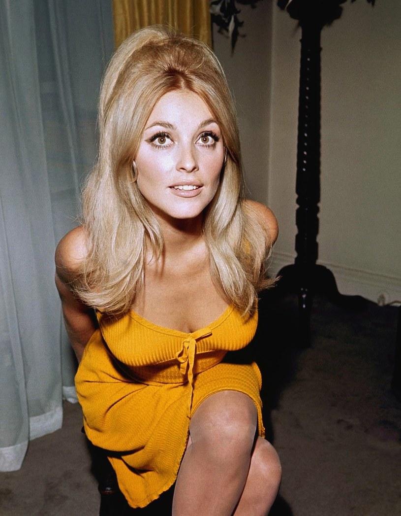 Amerykańska aktorka i modelka Sharon Tate, żona Romana Polańskiego, została zamordowana 50 lat temu, 9 sierpnia 1969 roku. Sprawa elektryzowała Hollywood, a sprawcą zbrodni okazał się Charles Manson i jego wyznawcy. Zbrodnia ta nadal kryje wiele tajemnic...