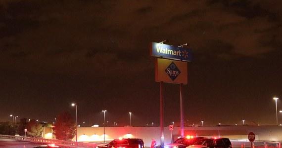 Mężczyzna, oskarżony o zastrzelenie w ubiegły weekend 22 osób w centrum handlowym w El Paso w amerykańskim stanie Teksas, przyznał się do zbrodni w chwili, gdy się poddawał. Później zeznał, że mierzył w Meksykanów - poinformowała w piątek policja.