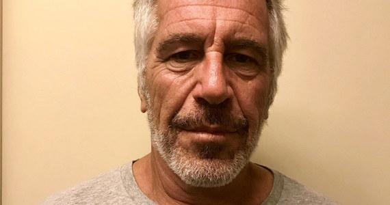 Śmierć Jeffreya Epsteina w celi pod nadzorem wywołała wiele pytań - miliarder był blisko powiązany z amerykańską elitą. Według wielu jego zeznania mogły pogrążyć nie tylko wysoko postawionych polityków, ale także gwiazdorów Hollywood. Bo lista znajomych Epsteina wydaje się nie mieć końca.