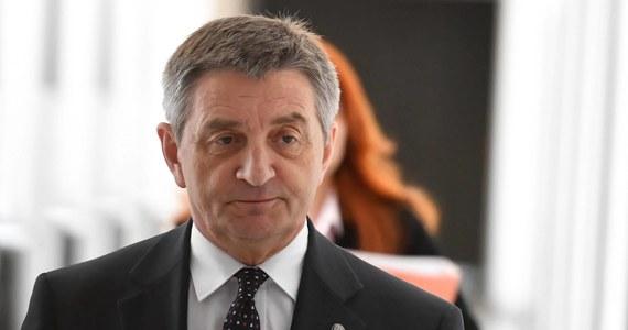 """Rezygnacja Marka Kuchcińskiego z funkcji marszałka Sejmu nie kończy sprawy jego kontrowersyjnych lotów rządowymi samolotami. Tak odpowiedziało 61 procent badanych w najnowszym sondażu pracowni IBRiS dla """"Dziennika Gazety Prawnej"""" i RMF FM."""