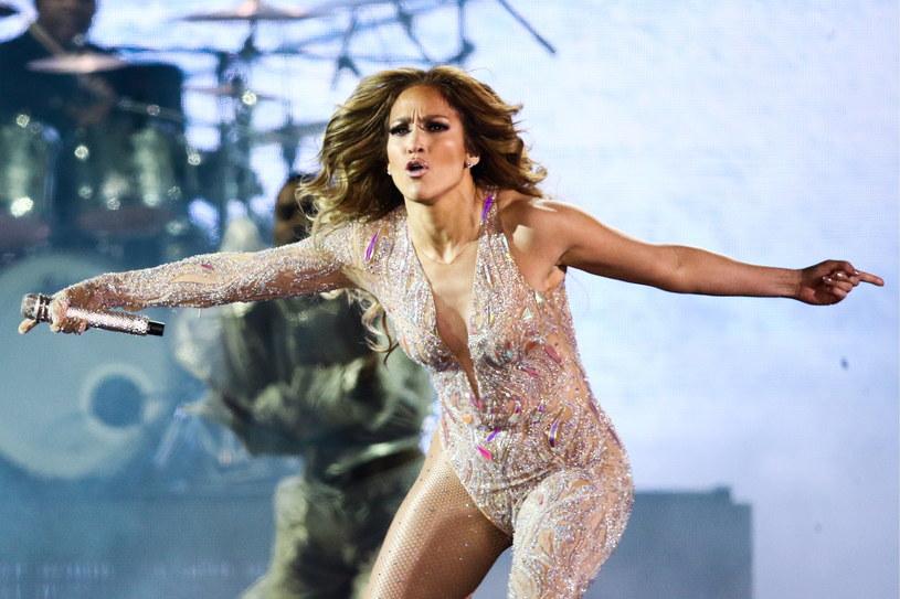 """Koncertem w Sankt Petersburgu w Rosji Jennifer Lopez zakończyła trasę """"It's My Party""""."""
