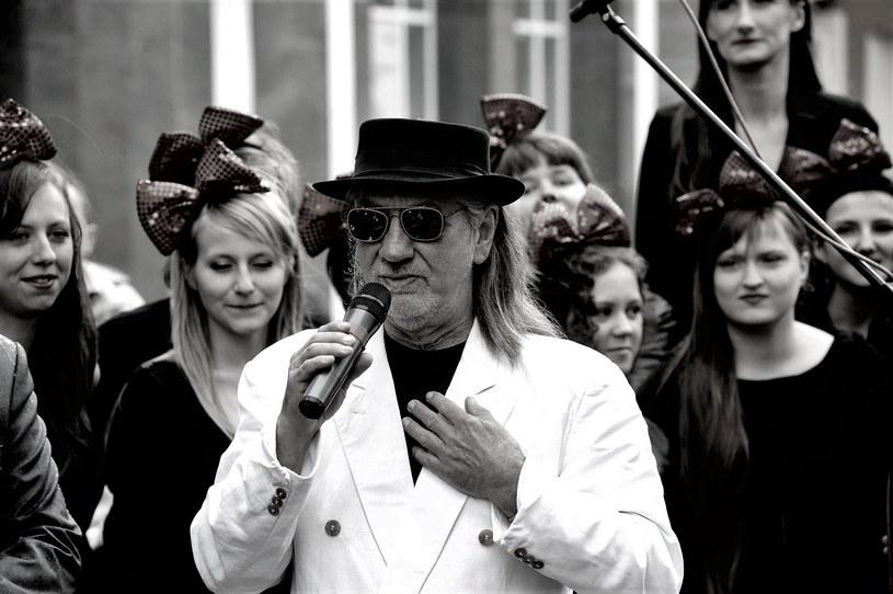 12 sierpnia w wieku 72 lat zmarł multiinstrumentalista i wokalista zespołu 2 Plus 1 Cezary Szlązak.