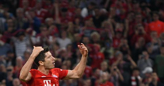Król strzelców niemieckiej ekstraklasy piłkarskiej w tym i poprzednim roku Robert Lewandowski zdobył dwie bramki dla Bayernu Monachium w meczu inaugurującym sezon 2019/20 Bundesligi. Broniący tytułu Bawarczycy zremisowali u siebie z Herthą Berlin 2:2.