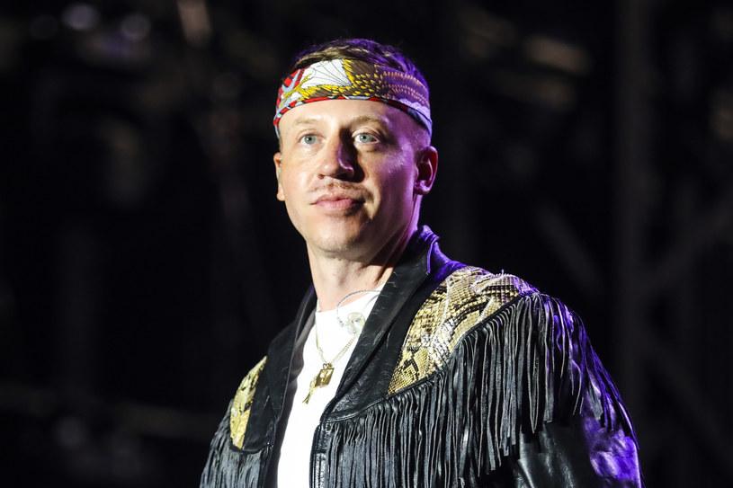 """""""Nie wiem, jak jest u was, ale w moim kraju rządzi prezydent, który dzieli ludzi"""" – mówił ze sceny amerykański raper Macklemore, który był headlinerem pierwszego dnia Kraków Live Festival. Cóż, Ben, chyba mamy problem tego samego sortu…"""