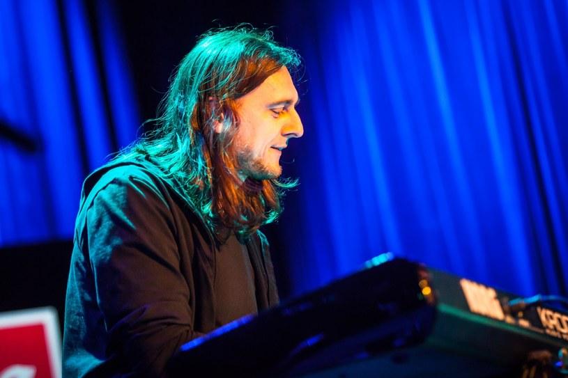 Z powodu ataku epilepsji klawiszowca Michała Łapaja warszawska grupa Riverside odwołała swój niedzielny (18 sierpnia) koncert w Pruszczu Gdańskim.