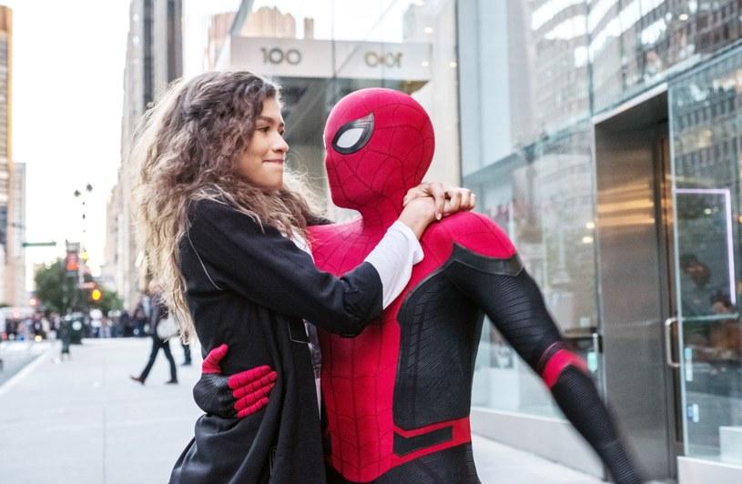 Zanosi się, że Spider-Man - przynajmniej na jakiś czas - opuści kinowe uniwersum Marvela. W ostatnich tygodniach przedstawiciele wytwórni Sony, która ma prawa do postaci Człowieka-Pajaka, oraz Disney'a debatowali nad warunkami przedłużenia umowy, która obowiązywała od 2015 roku. Niestety, nie udało im się dojść do porozumienia.