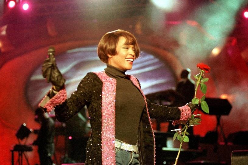 22 sierpnia 1999 roku odbył się pierwszy i jak się okazało jedyny koncert Whitney Houston w naszym kraju. Jak przebiegał koncert mega gwiazdy w Polsce?