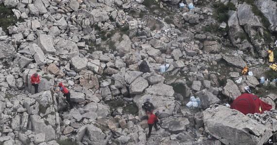 """Akcja ratowników w jaskini Wielka Śnieżna, w której utknęło dwóch grotołazów została wstrzymana przez obryw skalny. """"Nikt nie znajdował się w strefie zagrożenia"""" - podkreśla naczelnik TOPR-u Jan Krzysztof."""