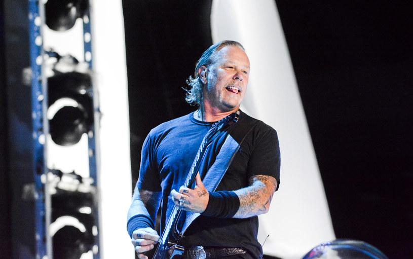Za pośrednictwem swojej fundacji All Within My Hand grupa Metallica przekazała Warszawskiego Hospicjum dla Dzieci ponad 222 tys. zł. Muzycy wręczyli czek przed swoim koncertem na PGE Narodowym w stolicy.