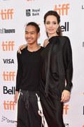 Syn Jolie i Pitta rozpoczyna studia w Korei Płd.