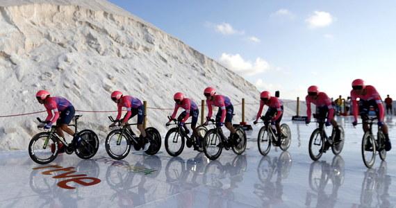 Polski team CCC zajął szóste miejsce na pierwszym etapie wyścigu Vuelta a Espana - jeździe drużynowej na czas na odcinku 13,4 km ze startem i metą w mieście Torrevieja. Zwyciężyła Astana, a Kolumbijczyk Miguel Angel Torres został pierwszym liderem.