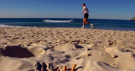 Kary w wysokości 50 euro zapłaciło na Sardynii w ostatnich dniach wielu turystów, którzy złamali zakaz palenia tytoniu na plaży. Lokalne władze przyznają, że palacze sięgają po papierosy mimo widocznych tablic z informacją, że jest to zabronione.