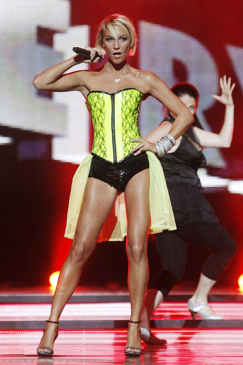 """Kate Ryan była jedną z gwiazd opolskiego koncertu w ramach Wakacyjnej Trasy Dwójki """"Lato, muzyka, zabawa"""" (25 sierpnia). Zobacz, jak teraz wygląda belgijska wokalistka."""