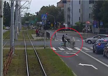 Toruń: Wjechał w 86-latkę na przejściu dla pieszych. Kobieta zmarła w szpitalu