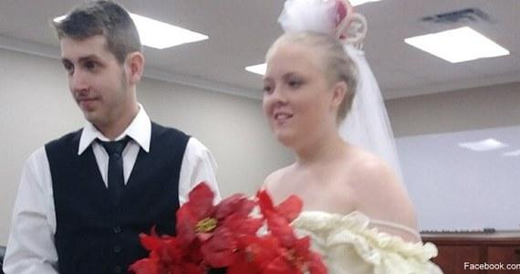 Tą tragedią żyją całe Stany Zjednoczone. Para z Teksasu zawarła związek małżeński i dosłownie kilka minut po ślubie zginęła w wypadku samochodowym.