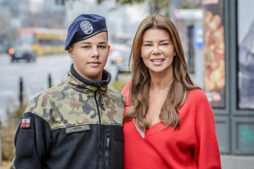 """W zapowiadanym już przez nas nowym show TVN """"My Way"""" Edyta Górniak będzie uczyć się jazdy samochodem. Okazuje się, że na planie towarzyszyć jej będzie syn, 15-letni Allan Krupa."""