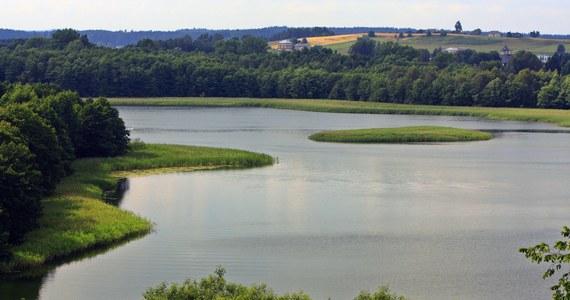 W jeziorze Wigry koło Suwałk strażacy odnaleźli ciało płetwonurka. 46-latek był poszukiwany od wczoraj.