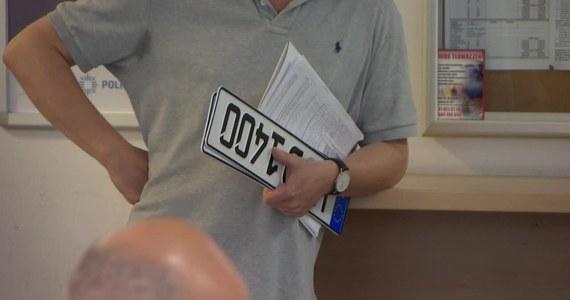 Nie przerejestrujesz pojazdu po zakupie? Zapłacisz nawet 1000 złotych kary. Wiadomo już, że takie zmiany w przepisach wejdą w życie 1 stycznia 2020 roku.