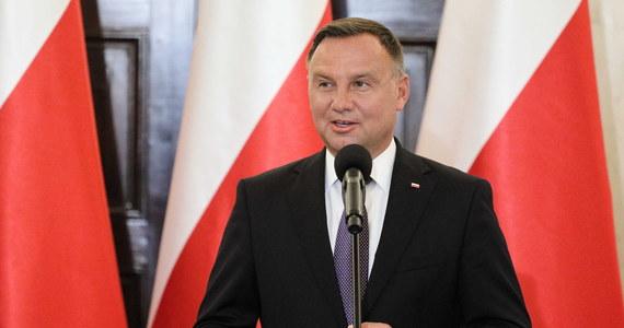 """Prezydent Andrzej Duda oświadczył w rozmowie z dziennikiem """"Bild"""", że Polska i Niemcy są wzorem pojednania. Zaznaczył jednocześnie, że reparacje za zniszczenia, dokonane przez Niemcy podczas II wojny światowej, to kwestia odpowiedzialności i moralności."""