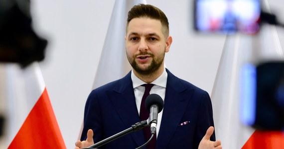 Parlament przyszłej kadencji będzie nowym miejsce walki, zderzenia świata wartości. Potrzebni są tam młodzi politycy broniący wartości chrześcijańskich, katolickich, konserwatywnych - uważa europoseł PiS Patryk Jaki.