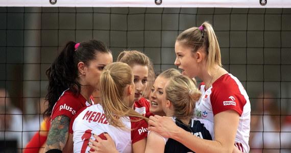 Reprezentacja Polski siatkarek awansowała do ćwierćfinału mistrzostw Europy. Biało-czerwone pokonały dziś w Łodzi Hiszpanię 3:0. Rywalem Polek w ćwierćfinale będzie w środę reprezentacja Niemiec.